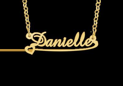 Gouden kinder naamketting model Daniëlle Gepersonaliseerd