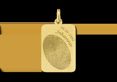 Gouden hanger met vingerafdruk en naam en datum gegraveerd