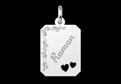 Zilveren graveerplaatje recht met bloemrand en 2 hartjes