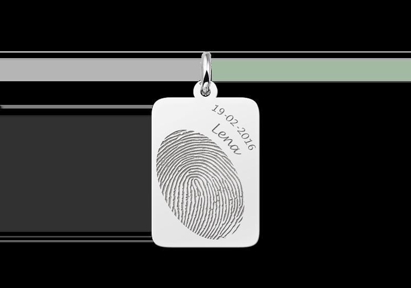 Zilveren hanger met vingerafdruk en naam en datum gegraveerd