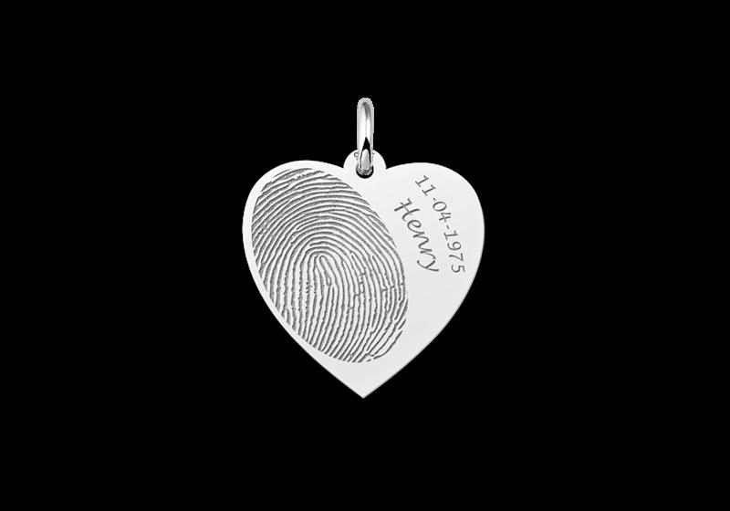 Zilveren hart sieraad met vingerafdruk en naam en datum gegraveerd