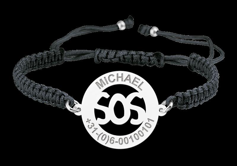 Gegraveerde Zilveren kinderarmband model SOS zwart