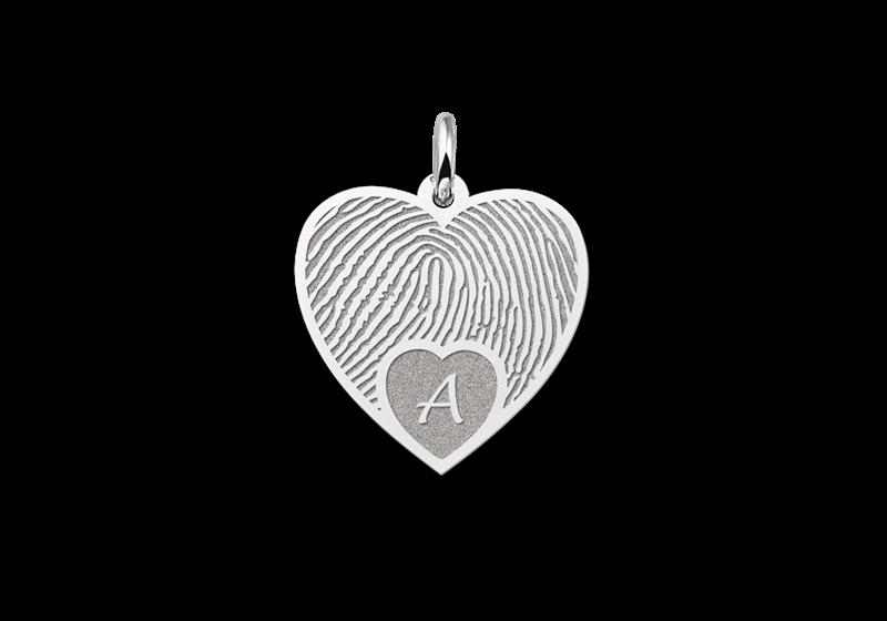 Zilveren vingerafdruk sieraad hart met initiaal gegraveerd