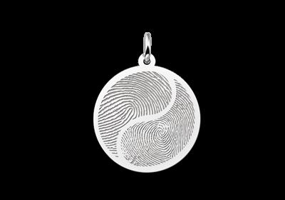 Zilveren vingerafdruk sieraad Yin Yang gegraveerd
