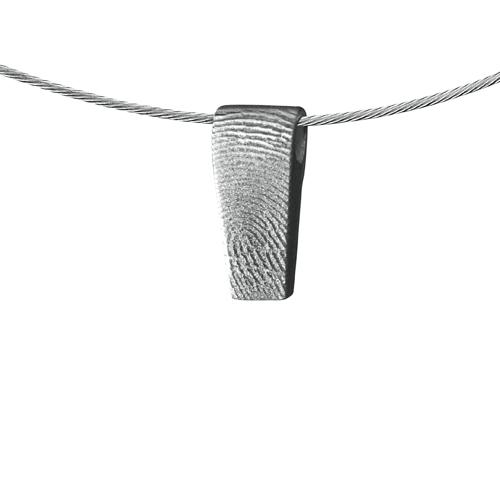 Gegraveerde Zilveren Hanger Rechthoek Met Vingerafdruk En Taps Design
