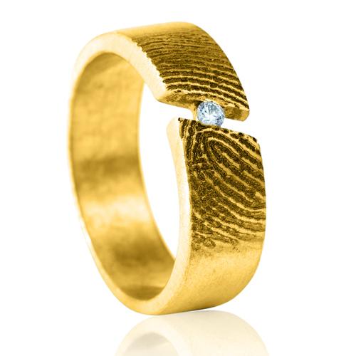 Gegraveerde Gouden Ring Open Diagonaal 4mm Met Vingerafdruk Met Steentje Midden Model Napels