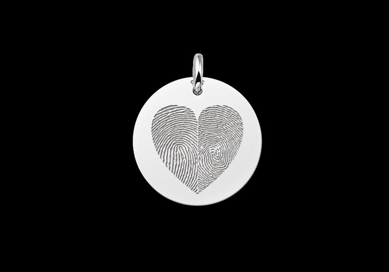 Hanger met twee vingerafdrukken in hartvorm